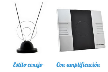 """A la izquierda antena """"estilo conejo"""" sin amplificación. A la derecha antena con amplificación."""